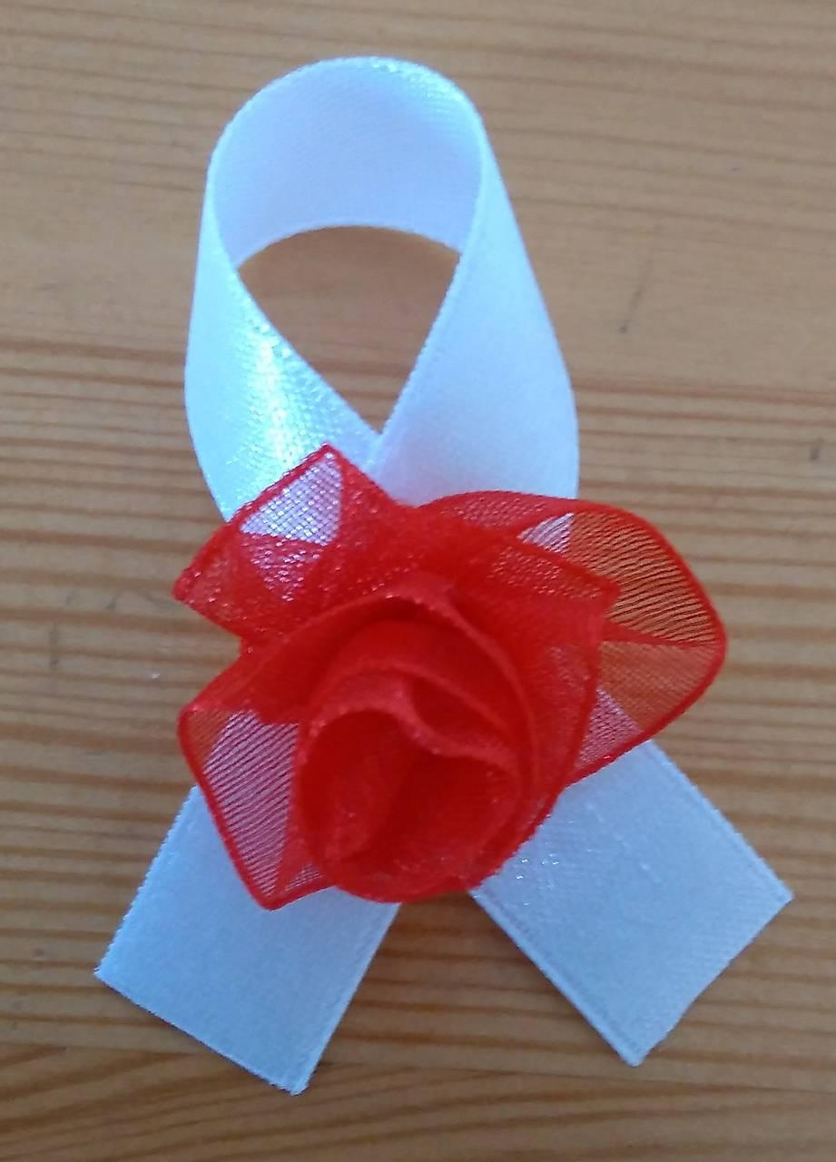 Svadobné pierka bielo červené