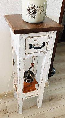 Nábytok - Vintage stolík so šuflíkom - 11779066_