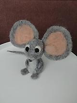 Plstená myška s veľkými ušami