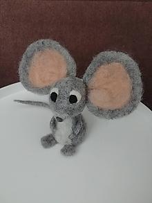 Dekorácie - Plstená myška s veľkými ušami - 11778049_