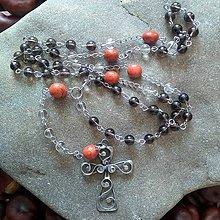 Náhrdelníky - Ruženec z minerálov s cínovaným krížikom (Záhneda + krištáľ + červený jaspis) - 11785021_