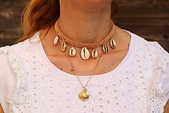 Náhrdelníky - Kožený choker náhrdelník s mušľami - 11782840_