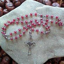 Náhrdelníky - Korálikový ruženec s cínovaným krížikom (vínovočervený) - 11787128_