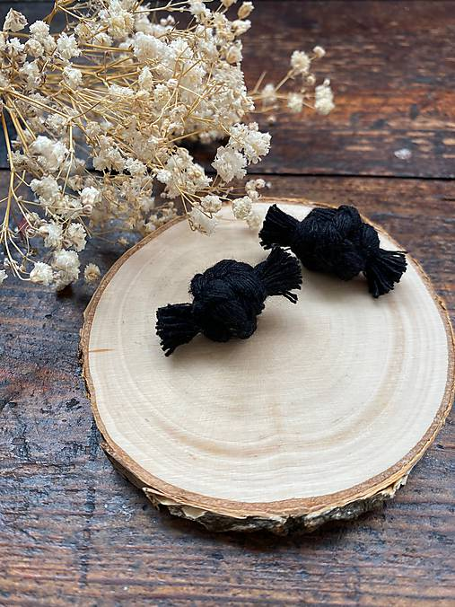 Černé bavlněné náušnice