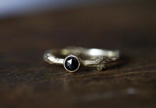 Vetvičkový s čiernym diamantom zase inak