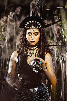 Ozdoby do vlasov - Čierna mušličková koruna z kolekcie 𝕾𝖍𝖆𝖒𝖆𝖓 𝕳𝖆𝖑𝖑𝖔𝖜𝖊𝖊𝖓 - 11802279_