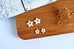 Náušnice - Porcelánové náušnice Kvety s bodkou - 11800581_