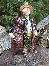 Socha - Poľovník s medveďom - 11803870_