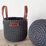 Košíky - Háčkovaný košík s koženými rúčkami - 11806343_