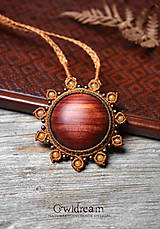 - Drevený náhrdelník slnko •Červený céder• - 11804767_