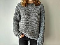 Svetre/Pulóvre - Pletený sivý sveter - 11811123_