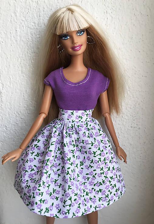 Kvietkovaná lila sukňa pre Barbie