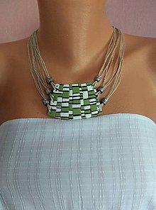 Náhrdelníky - Zelenobiely náhrdeľník - 11813335_