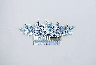 Ozdoby do vlasov - Strieborný kvetinový hrebienok - 11817616_