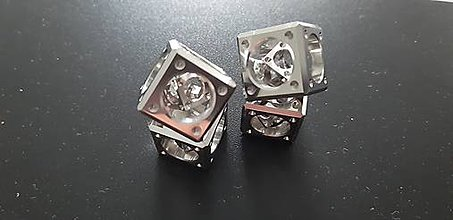 Kľúčenky - kocka v kocke stredná(nerez)-klúčenka - 11817563_