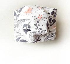 Rúška - Bavlnené rúško biele s kvetmi - 11816627_