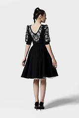 Šaty - Šaty Joy Midi čierne vyšívané - 11821454_