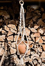 Dekorácie - Makramé držiak na kvetináč - 11821662_