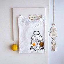Tričká - Dámske tričko Ammyla - Dievča s náušnicami 2 - 11827073_