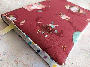 Papiernictvo - Obal na knihu,  zvieratká na bordovej lúke - 11827949_