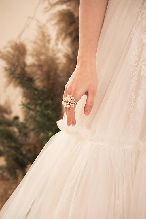 """Kvetinový prstienok """"rozkvitnutý sad"""""""