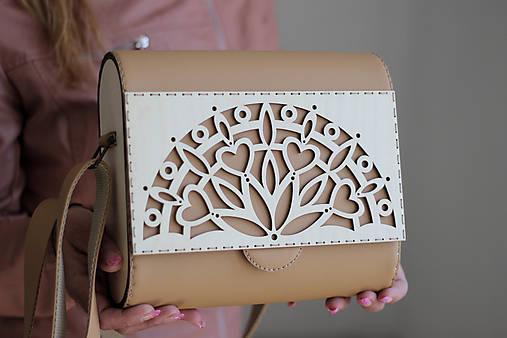 Drevená kabelka Mandalóza (Béžová)
