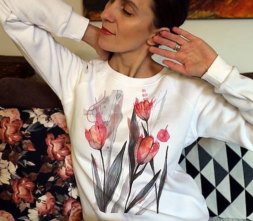 Tulipány/ JN biela mikina