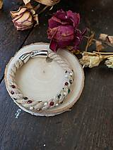 Náramky - Béžový náramek pošitý perlami - 11839142_