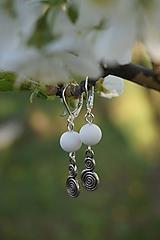 Náušnice - Biele so špirálou - 11839338_
