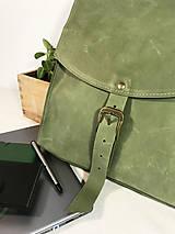 Batohy - Kožený batoh - zelený - 11836028_