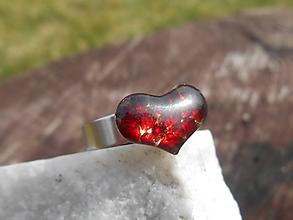 Prstene - garnet heart ring-český granát-prsteň - 11844441_