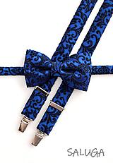 Doplnky - Pánsky motýlik a traky  - vzorovaný - svadobný - kráľovsky modrý - 11840668_