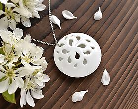 Náhrdelníky - White Flower - 11844523_