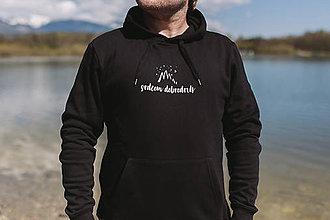 Mikiny - srdcom dobrodruh - pánska čierna mikina - 11845313_