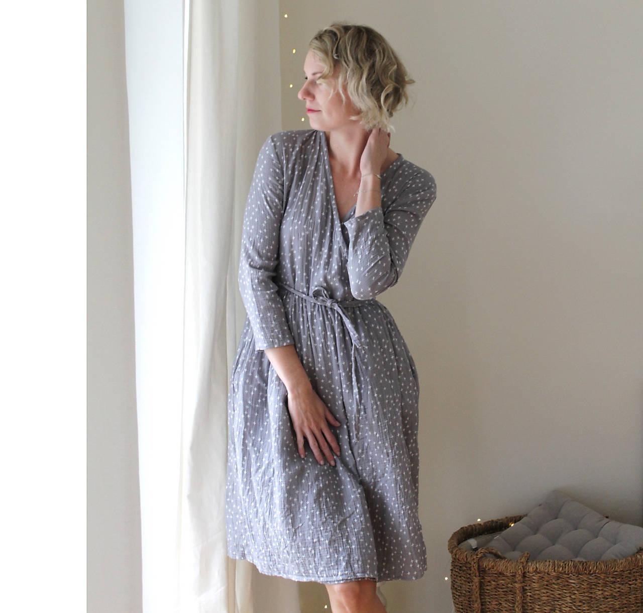 Šaty - . šaty zavinovací . mušelín . šedé s křížky - 11851441_