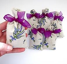 Dekorácie - Vrecko so sušeným levanduľovým kvetom - 11850999_