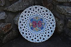 Nádoby - Ručne vyrezávaný a maľovaný tanier - 11853708_