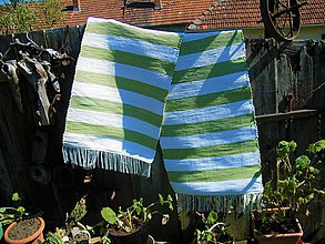 Úžitkový textil - Tkaný koberec bielo-zelený - 11854184_
