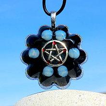 Náhrdelníky - Pentagram něžné Čarodějky - Měsíční Opalit - 11858820_