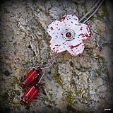 Náhrdelníky - Červený kvet - 11860236_