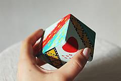 Hudobné nástroje - Maľovaný shaker - mini cajon - 11866659_