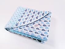 Minky modrá deka + veľryby 67*100cm