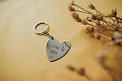 Drobnosti - Kľúčenka Ľúbime ťa mami - 11871465_