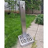 Nezaradené - Nerezový záhradný vodovod s roštom - 11872114_