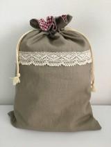 Úžitkový textil - Podšité ľanové vrecko s bavlnenou krajkou - 11868659_