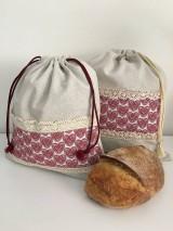 Úžitkový textil - Vrecko na chlieb z ľanového plátna s bavlnenou krajkou a farebným vzorom - 11868700_