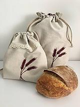 Úžitkový textil - Vrecko na chlieb z ľanového plátna s ručnou výšivkou a bavlnenou krajkou (bordové klasy) - 11868829_