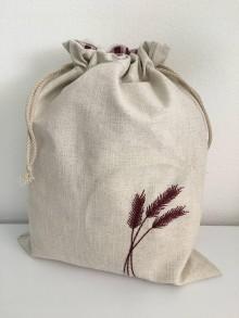 Úžitkový textil - Vrecko na chlieb z ľanového plátna s ručnou výšivkou a bavlnenou krajkou (bordové klasy) - 11868824_