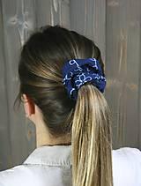 Ozdoby do vlasov - modrotlačová gumička scrunchie 3 - 11868149_