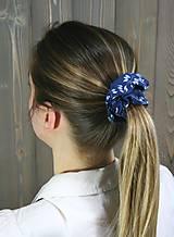 Ozdoby do vlasov - modrotlačová gumička scrunchie 7 - 11868170_